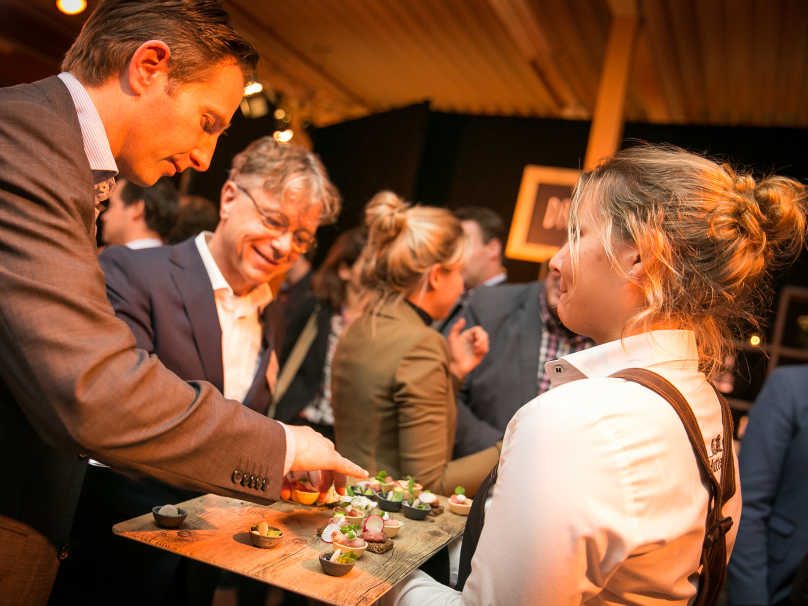 Hutten Meeting amp Events 01